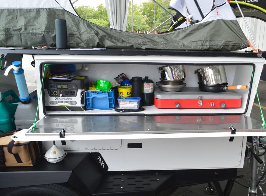 taxa-woollybear-trailer-galley