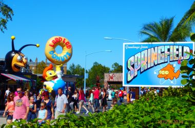 "Visiting The Real Life Springfield From ""The Simpsons"" At Universal Studios"