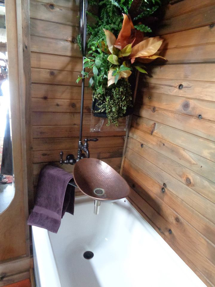 chinarose-wellnesswagon-shower