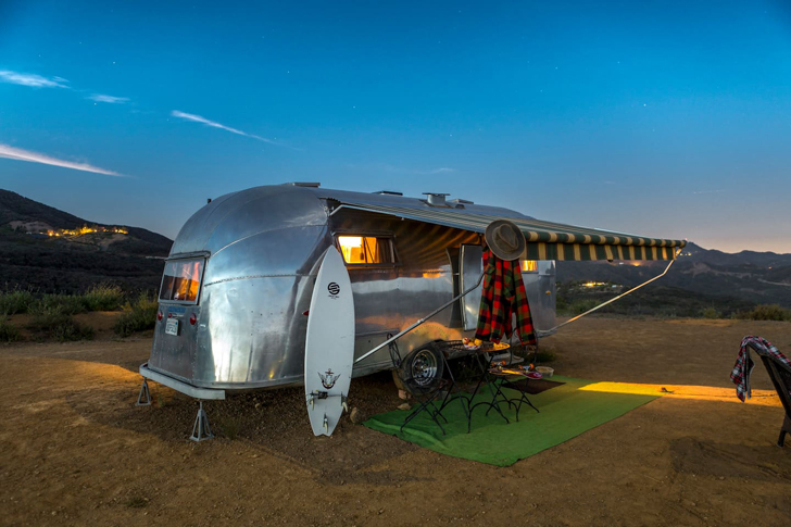 10 vintage airstreams available to rent on airbnb for Airstream rentals santa barbara