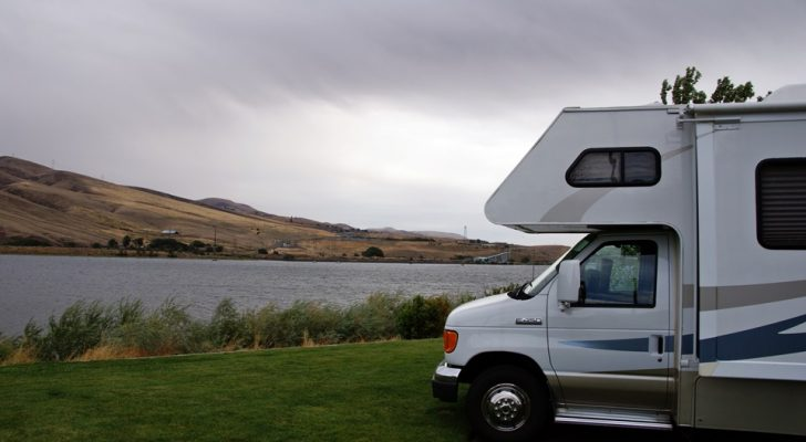 Truck Camper Plans Build Yourself: Survive The Apocalypse With This EcoRoamer Truck Camper