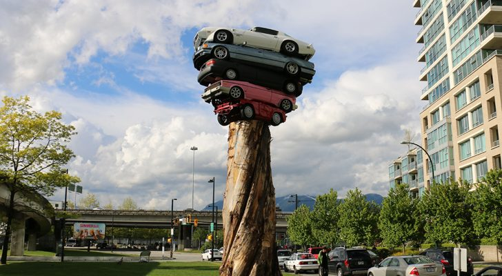 7 Bizarre Roadside Attractions That Celebrate The American Vehicle