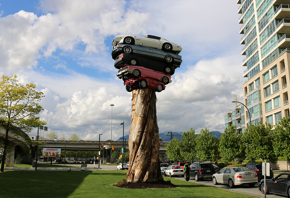 7 Roadside Attractions Made From Old Cars And Campers