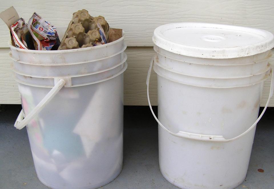 5-gallon buckets