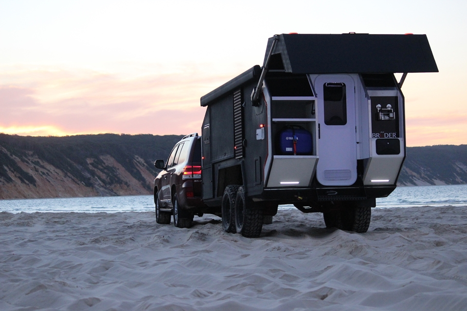 Bruder Exp 6 Off Road Campers