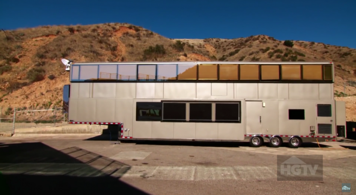 8 Celebrities Who You'd Never Expect To Own An RV