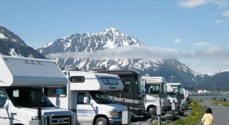 How To Find & Rate RV Parks On Campground Reviews