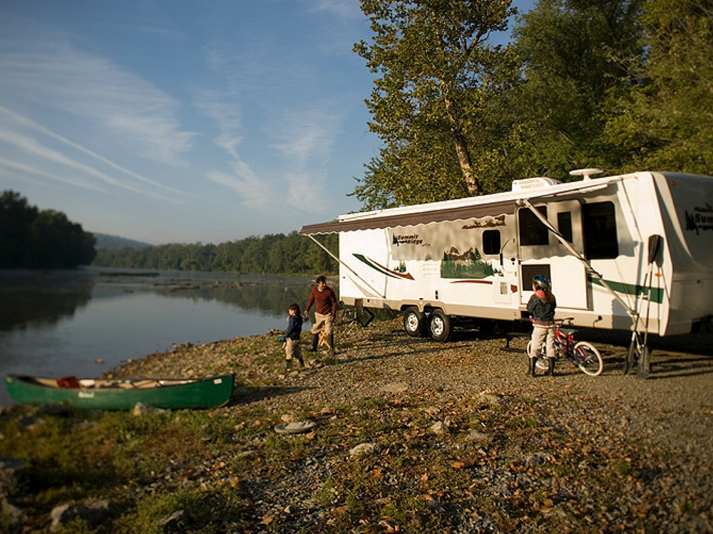 solar power rv on river