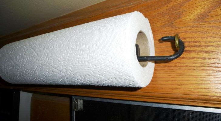 8 Creative Ways To Use Bungee Cords In Your RV