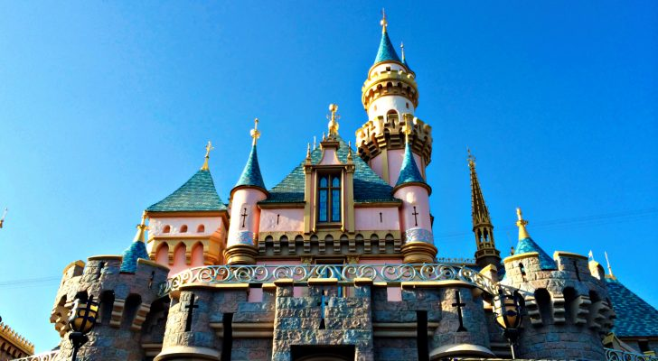 What You Need To Know About Visiting Disneyland