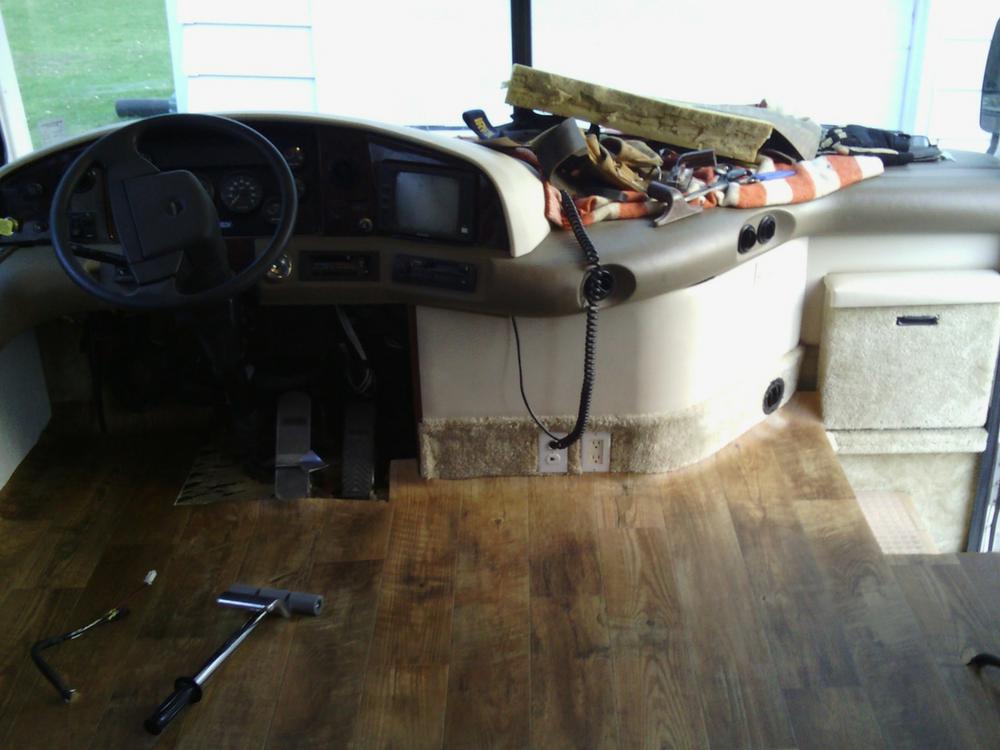 vinyl-flooring-front-no-seats