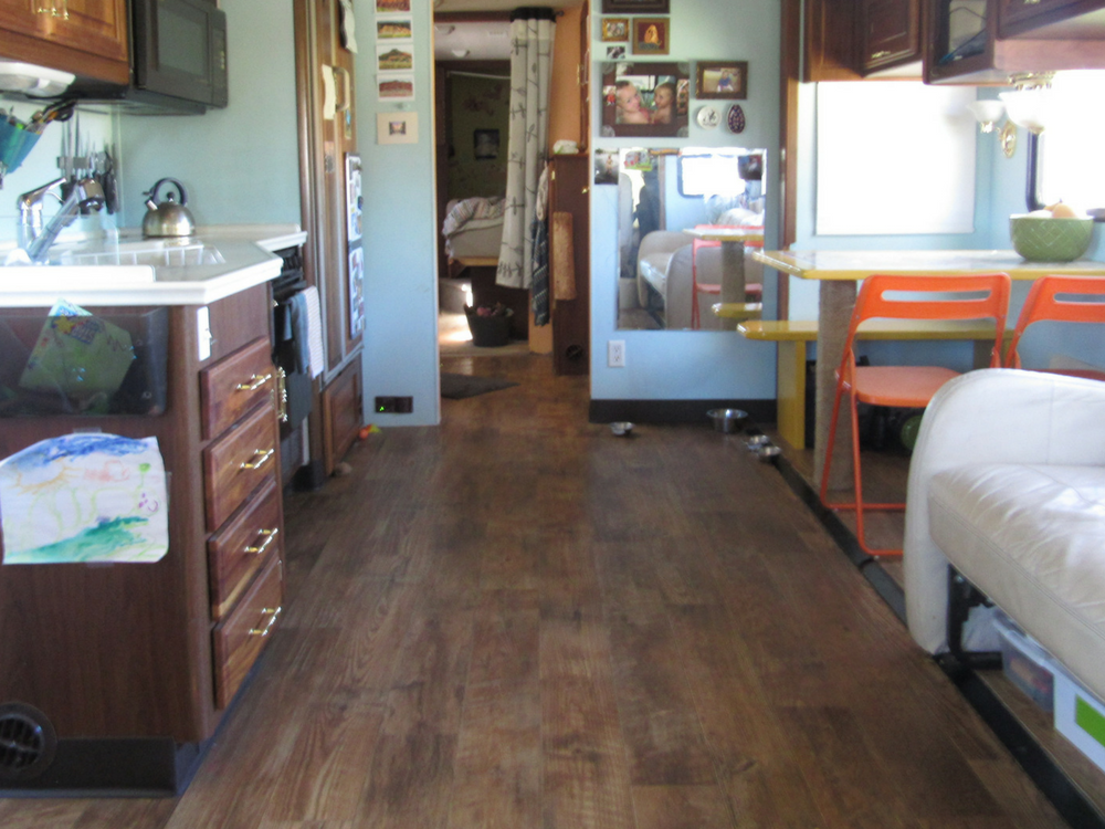 vinyl-flooring-kitchen