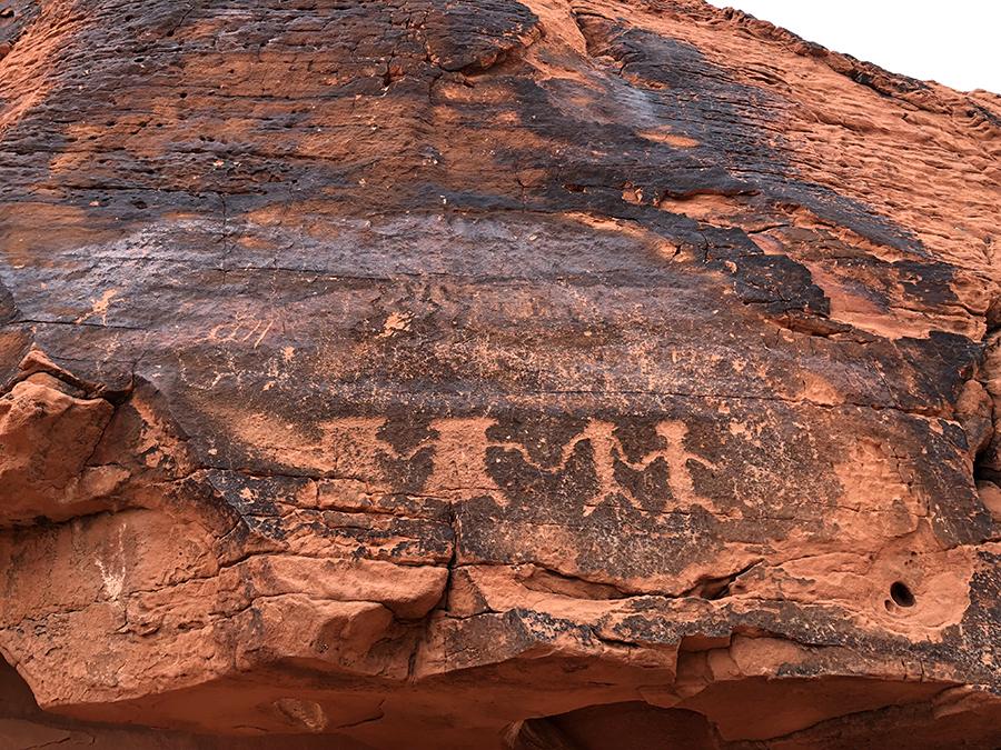 nevada-camping-petroglyph