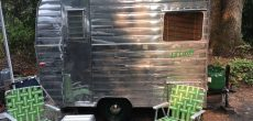 This Vintage 1960 Lil Loafer Trailer Is So Cozy Inside