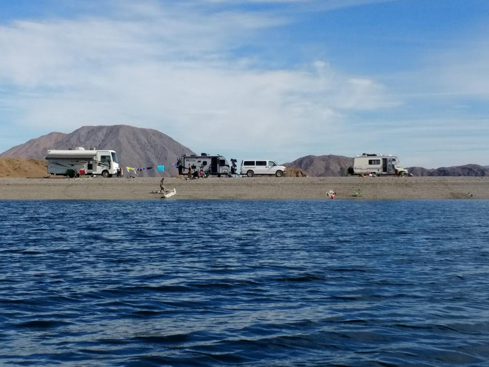 baja-beach-camping-playa-la-gringa