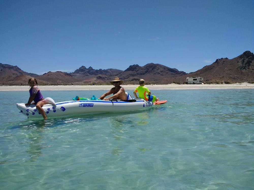 baja-beach-camping-playa-el-tecolote-kayak