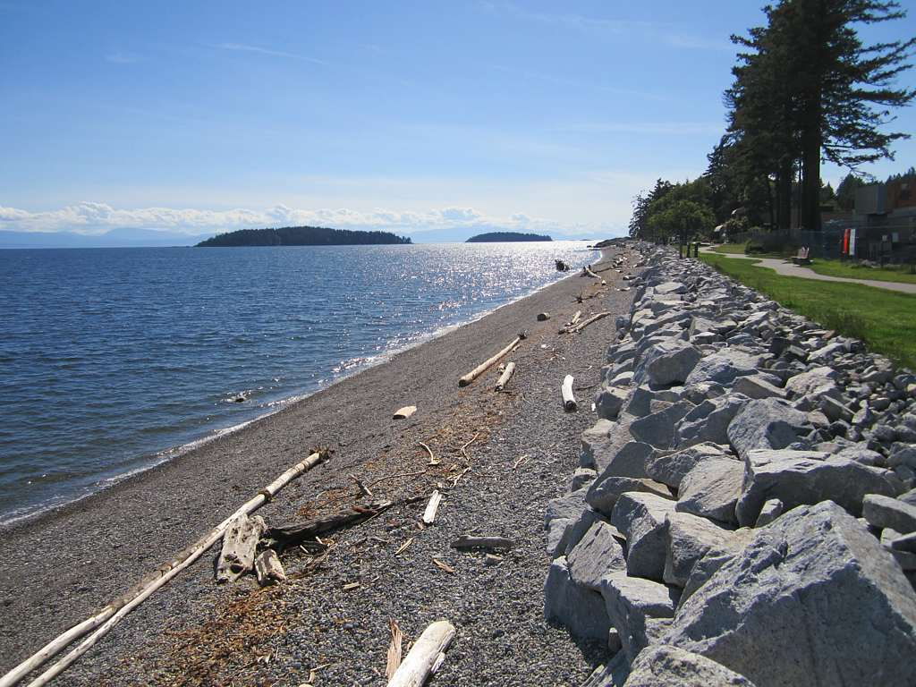 Sweeping views of the Strait of Georgia are obtained from this picturesque beach in Sechelt, BC.David Stanley/flickr