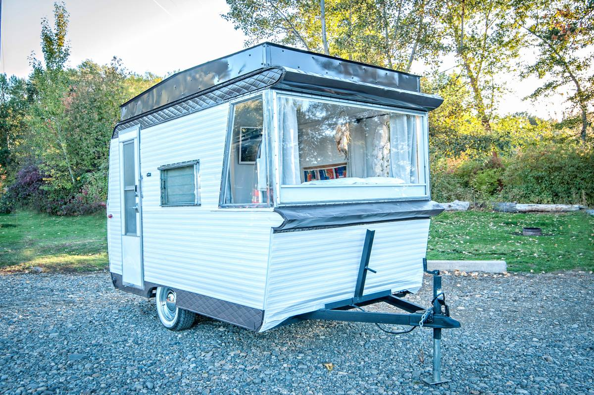 Photos Of A Vintage Field  U0026 Stream Travel Trailer Remodel