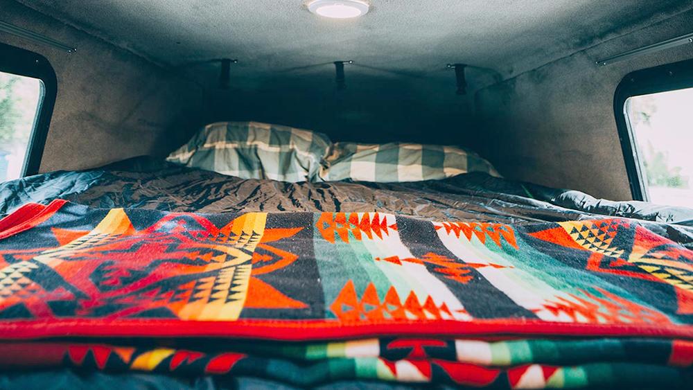 travellers-autobarn-rental-bed2