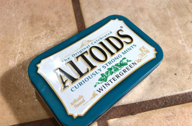 Make These 6 Useful Camping Kits From Altoids Tins