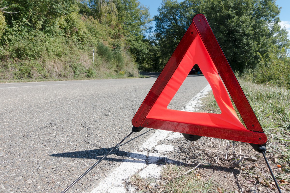 Emergency triangles. Photo via Pxhere (Public Domain)