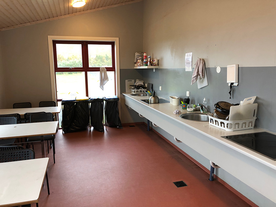 iceland-camping-kitchen2