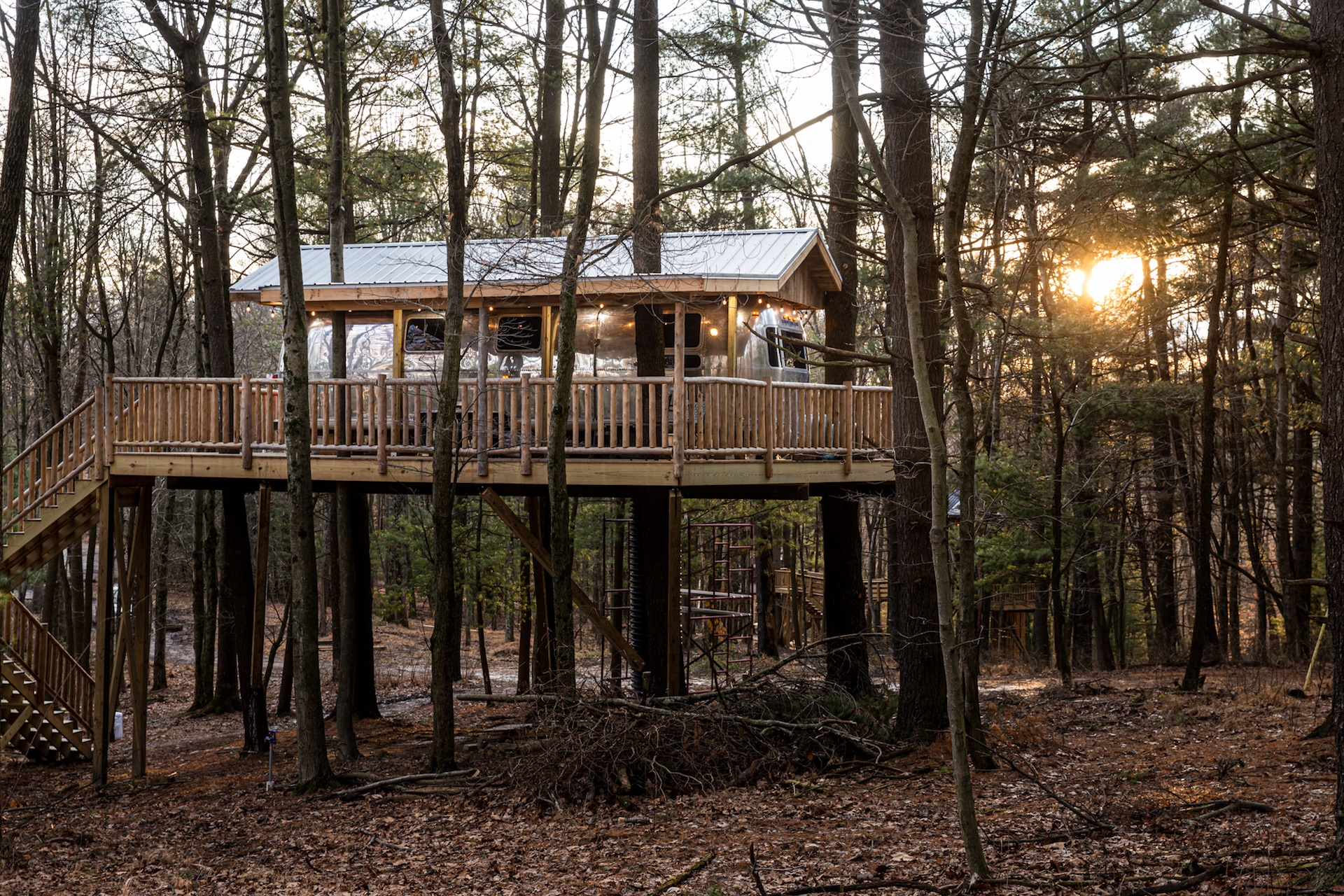 Airstream treehouse
