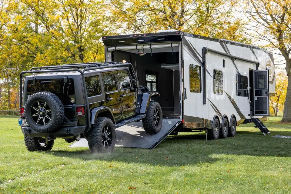 What Is A Toy Hauler (And Why Should You Get One)? - Do It ...